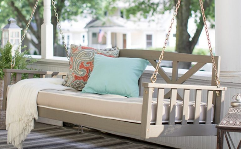 Hanging Daybed As A Home Improvement Option